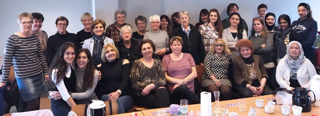 Café hos Narges får besøg af Kvindehuset i Århus